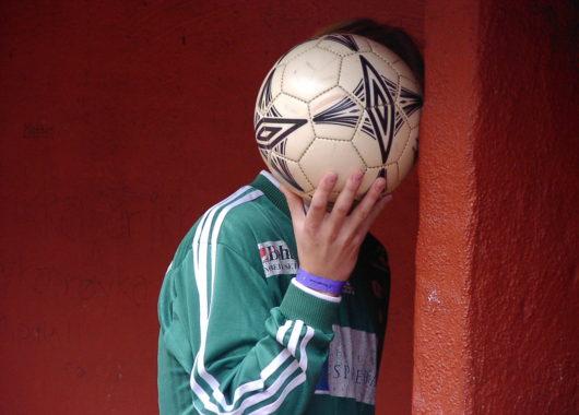 como aprender a jogar futebol depois de velho